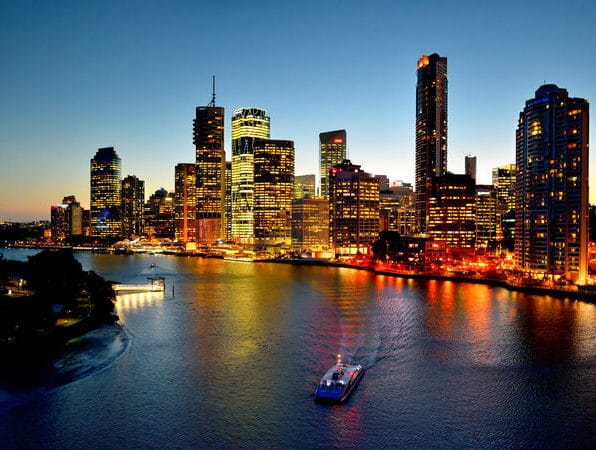 Australia-Landscape-Brisbane-city-riverside-skyline