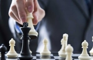 Chess Game Leader Investment Strategy Win Success Negotiate